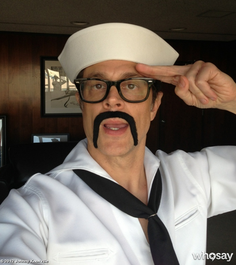 Dressed-sailor-suit-Johnny-Knoxville-saluted-his-fans.png
